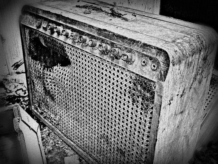 My wonderful amp, burned to a crisp. RIP